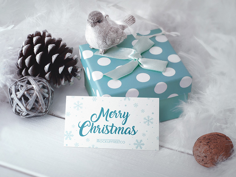 00f153461d76590e2b2d6e424a625b26 - Business Card in Christmas Scenery – Free PSD Mockup