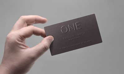 49edf5ab32912d564b56f5c5fb56988c 400x240 - Business Card In hand Mockup