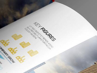 9f7b5aaee7e823ffa86bd399b836af34 - Free Flyer Logo Brochure Close-Up Mockup